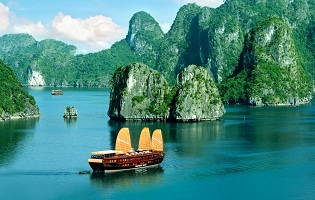 HANOI – HA LONG BAY – SAPA